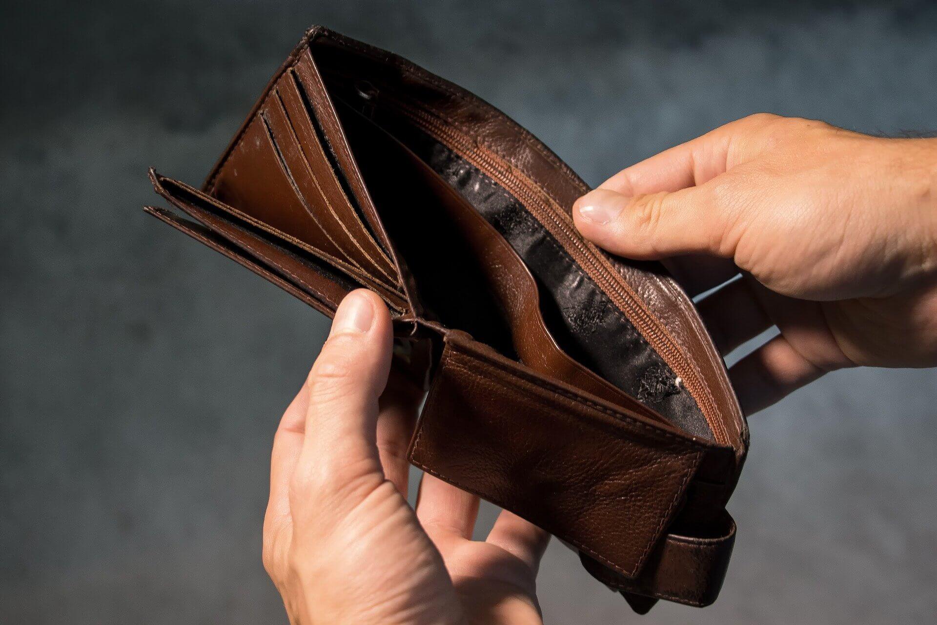 【初心者向け】給与ファクタリングは利用しても大丈夫?事前に知っておきたいこと・探し方